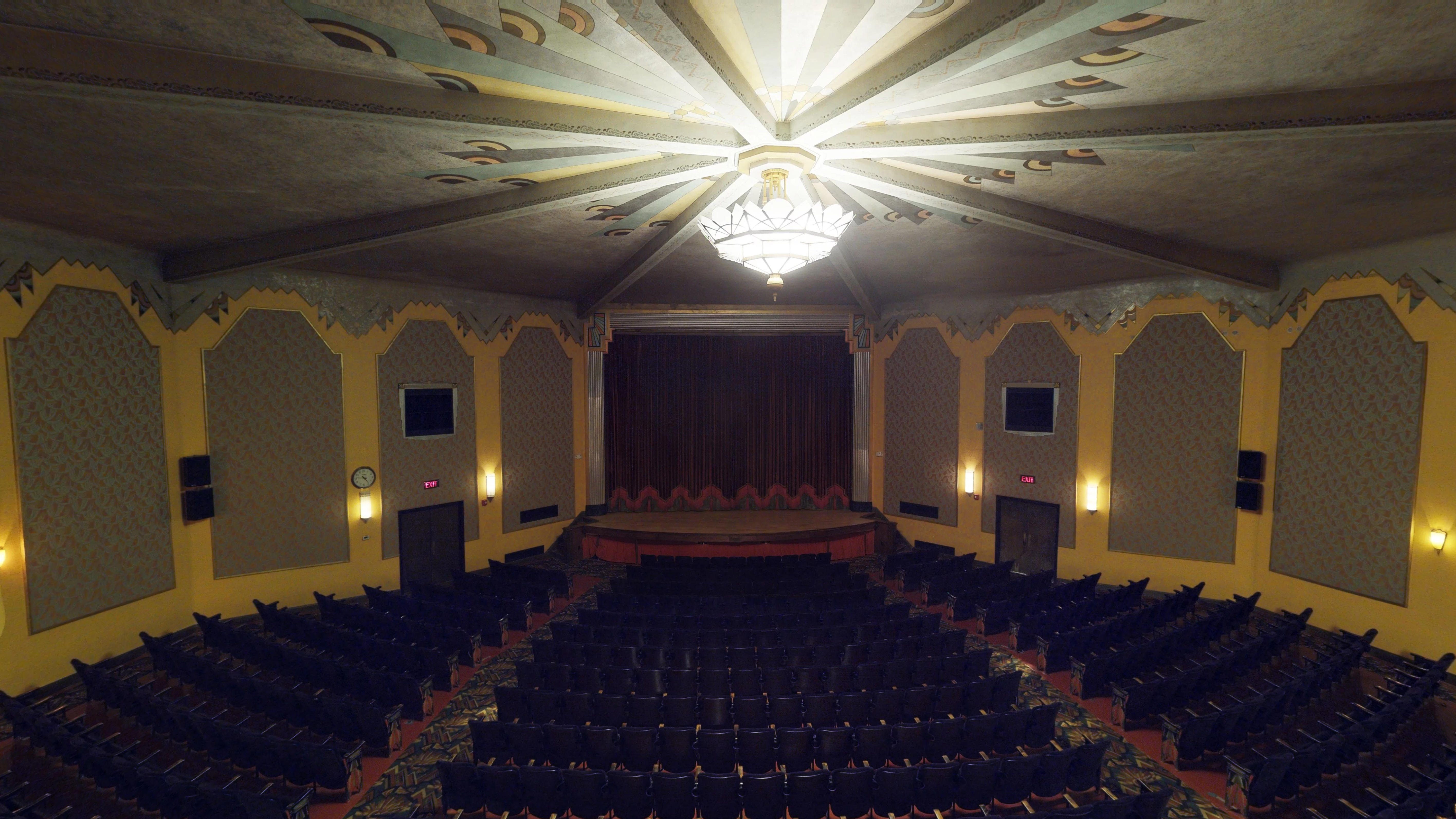https://sites.google.com/a/virtualtoursdowneast.com/virtual_tours/museums/theater-seat-views/seat%20view%20balcony%20center.jpg