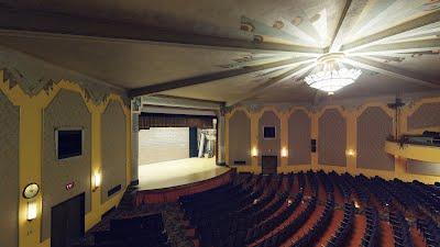 https://sites.google.com/a/virtualtoursdowneast.com/virtual_tours/museums/theater-seat-views/seat%20view%20balcony%20left.jpg