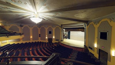 https://sites.google.com/a/virtualtoursdowneast.com/virtual_tours/museums/theater-seat-views/seat%20view%20balcony%20right.jpg