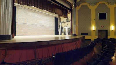https://sites.google.com/a/virtualtoursdowneast.com/virtual_tours/museums/theater-seat-views/seat%20view%20left%202.jpg